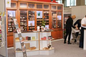 Auf der Werkstätten:Messe in Nürnberg präsentierte sich die USE gGmbH mit einer Nachbildung ihres DIM-Ladens in der ehemaligen Kreuzberger Blindenanstalt.